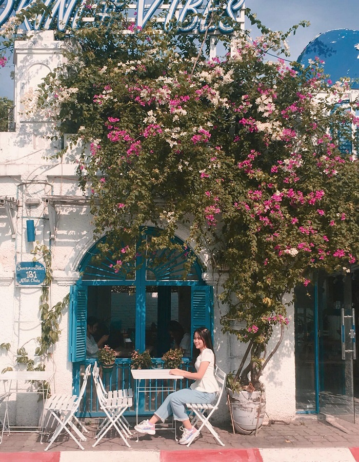 The beautiful cafes in the West Lake santorini-nguyenngocbich