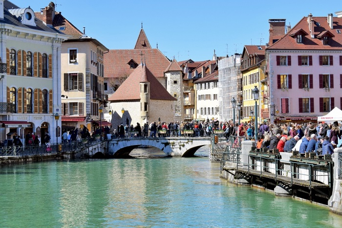 Annecy is like the Venice of the Alps - Annecy Venetian Carnival