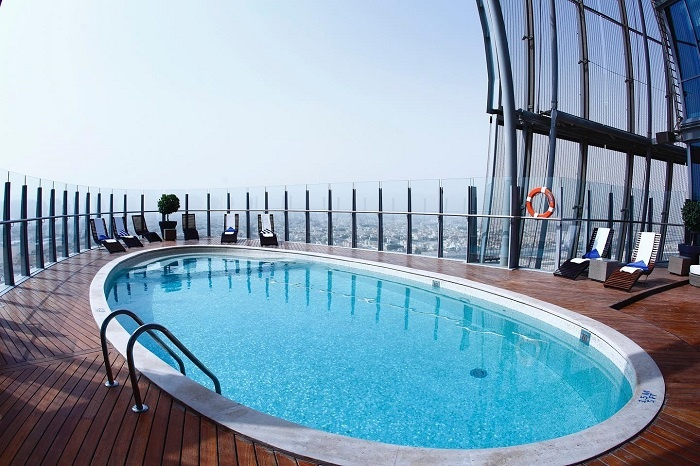 Check-in at the swimming pool of the Aspire Tower in famous Qatar