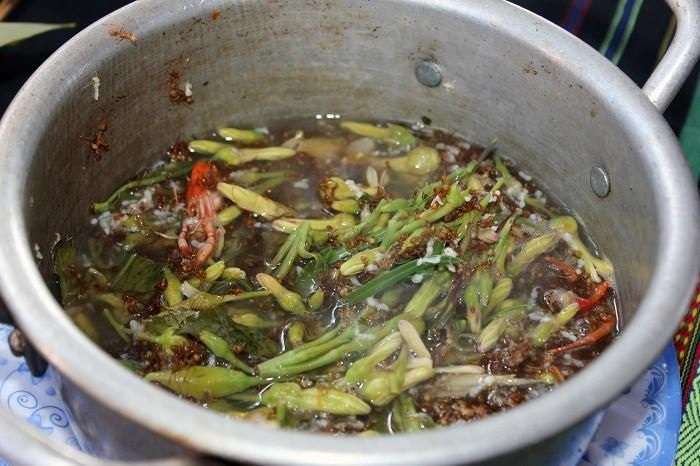 How to cook and sour soup with Dak Nong yellow ant