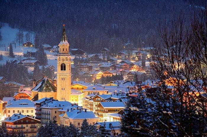 Cortina d'Ampezzo, Veneto - Những địa điểm ở Ý giống như trong truyện cổ tích