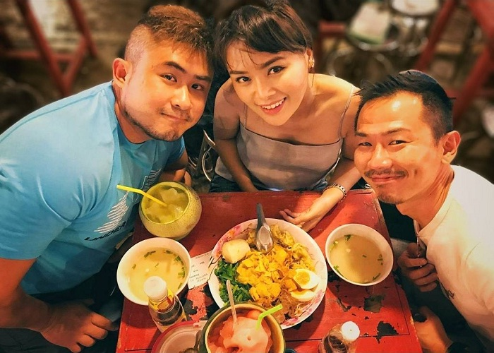 eating - the most interesting activity at Rod Fai . night market