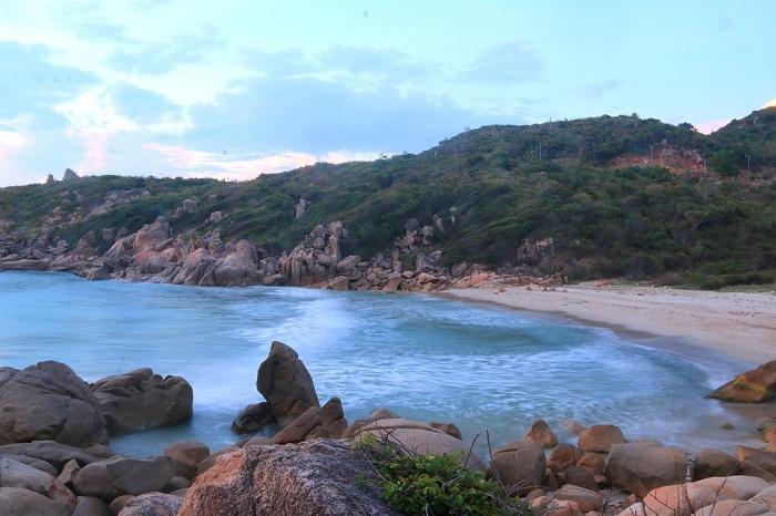 The beauty of Ninh Thuan fresh water beach