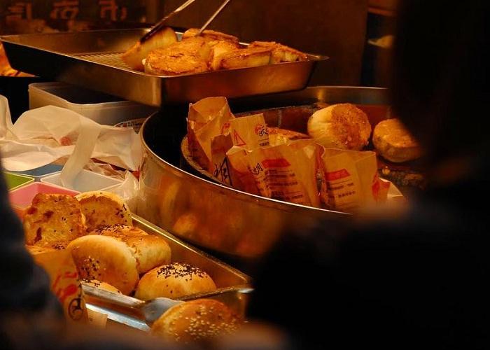 bánh khoai tây phô mai - món ăn cuốn hút tại chợ đêm Hoa Viên Đài Nam