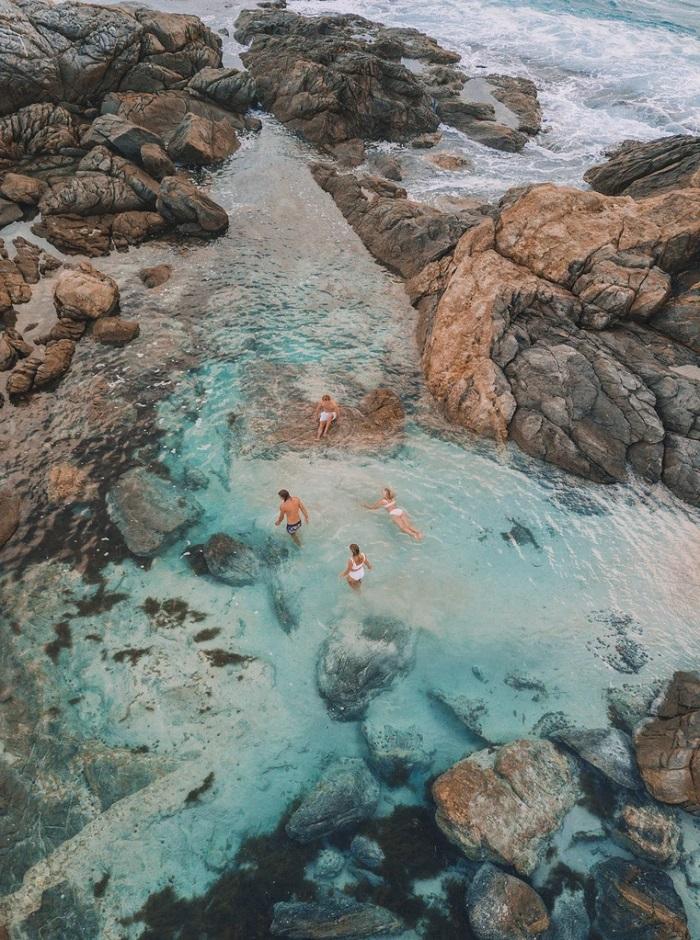 Bãi biển tí hon ở Australia - gần biển grennly
