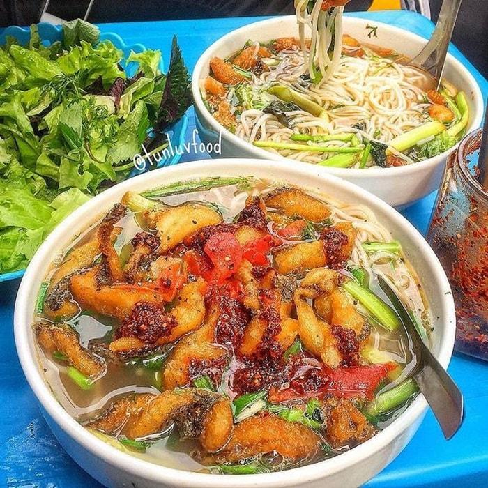 Nhắc đến các quán bún cá ngon ở Hà Nội không thể quên quán Long Râu