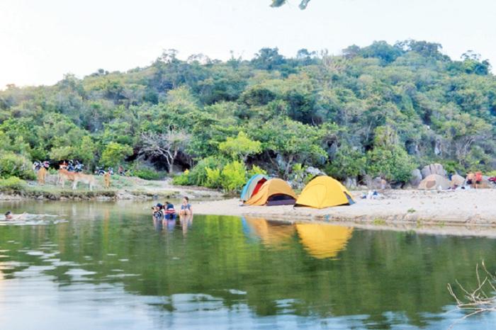 Tourist places camping Ngot Ngot Ninh Thuan beach
