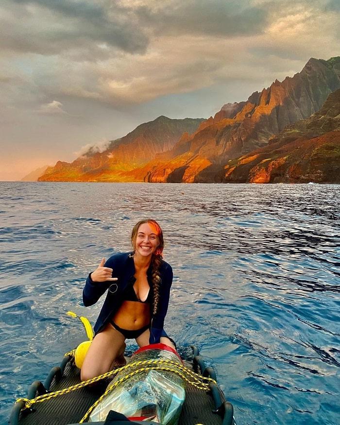 chèo thuyền kayak - hoạt động hấp dẫn tại Công viên Na Pali Coast