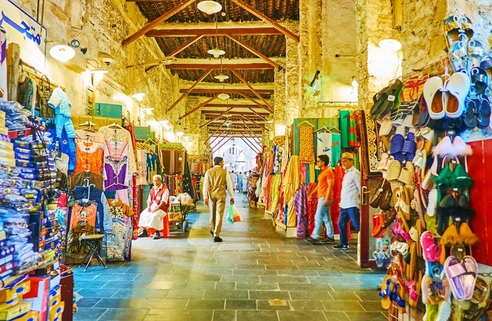 Buy gifts when traveling to Qatar, go to traditional markets