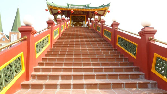 Explore the mural village of Sam mountain - Western One Pillar Pagoda