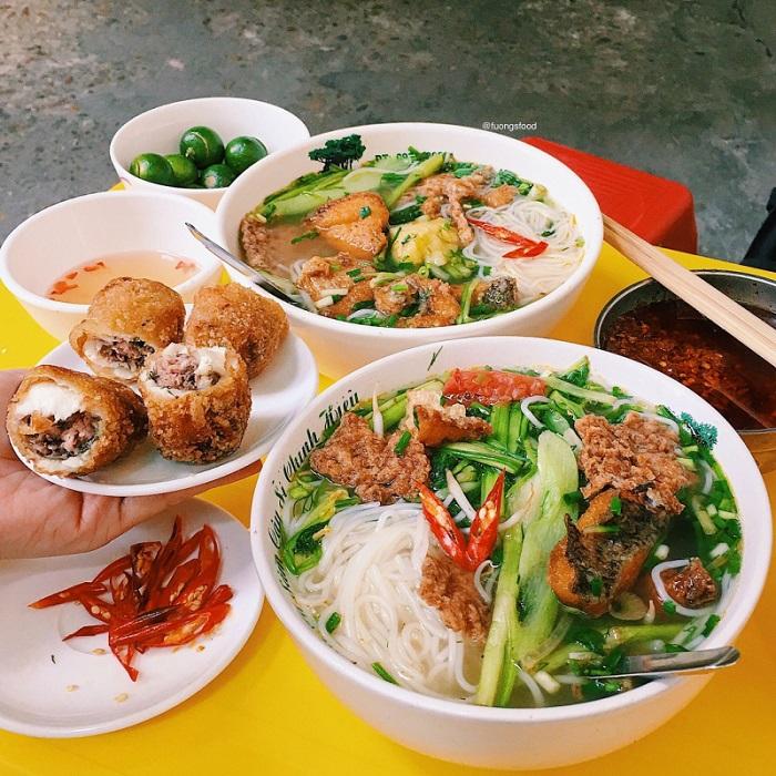 con đường ẩm thực ở phố cổ Hà Nội - Đinh Liệt