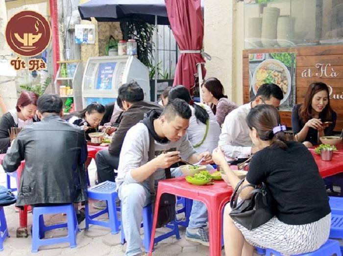 Út Hà Quán - Quán bún cá ngon ở Hà Nội