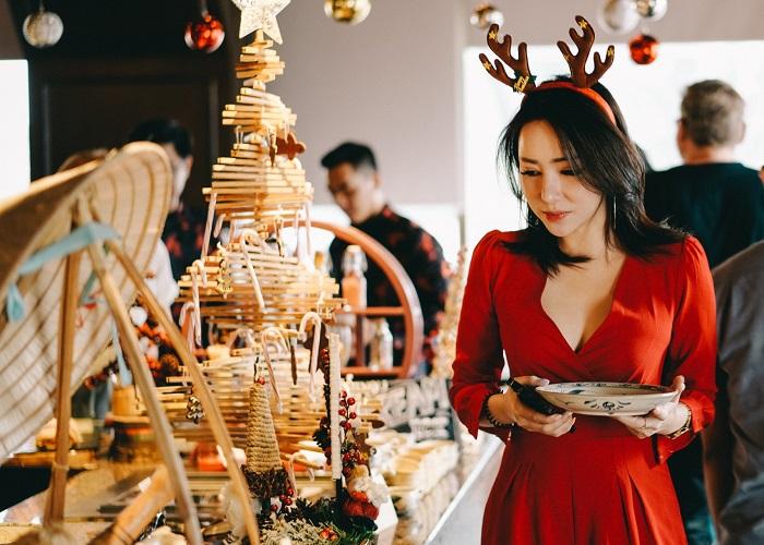 Truy lùng địa điểm ăn uống Noel ở Sài Gòn vừa ngon vừa đẹp 'lụi tim'