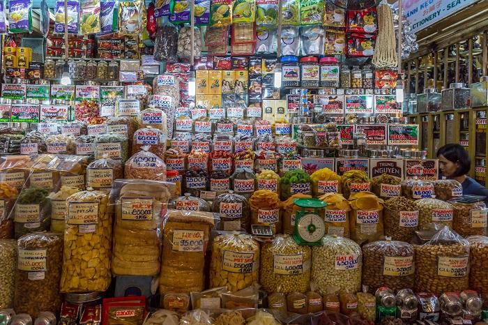 Những địa điểm mua sắm ở Sài Gòn - Chợ Tân Định