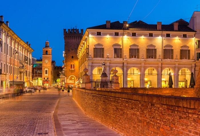 Ferrara, Emilia Romagna - Những địa điểm ở Ý giống như trong truyện cổ tích