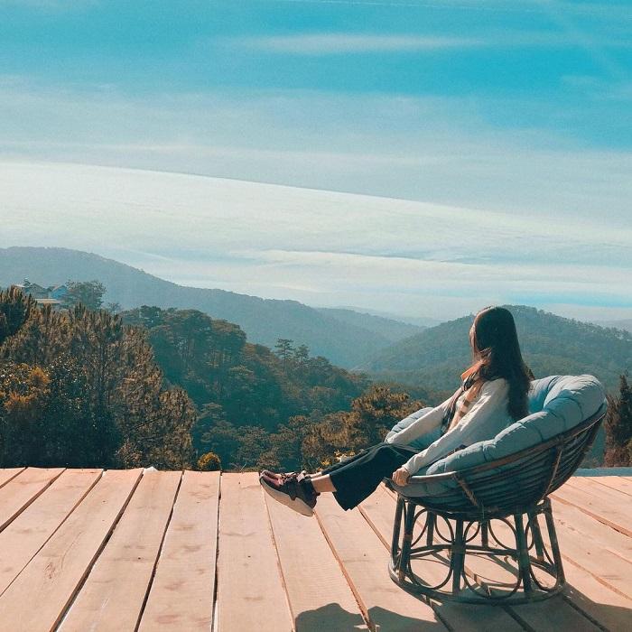 điểm săn mây ở Đà Lạt - check in ghế quyền lực ở Gâu Garden