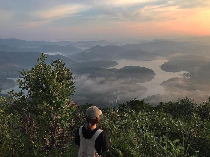 điểm săn mây ở Đà Lạt - leo núi đỉnh Pinhatt