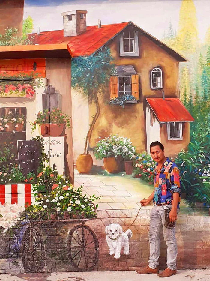 Explore the frescoed village of Sam mountain - New year fun