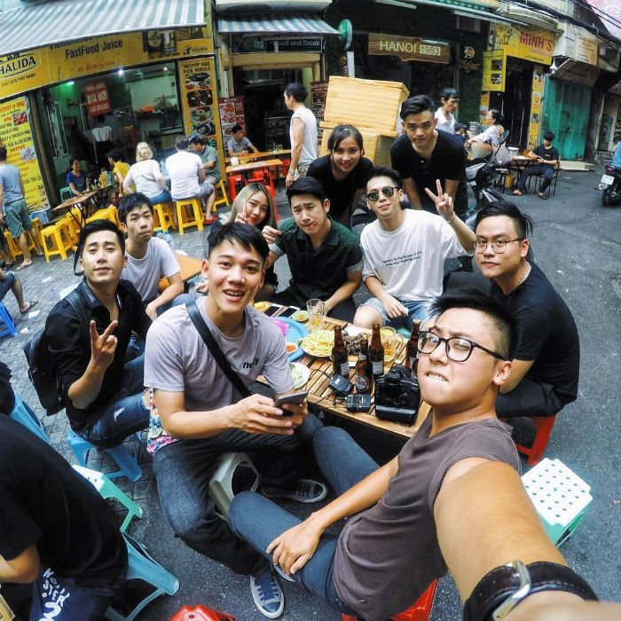 con đường ẩm thực ở phố cổ Hà Nội