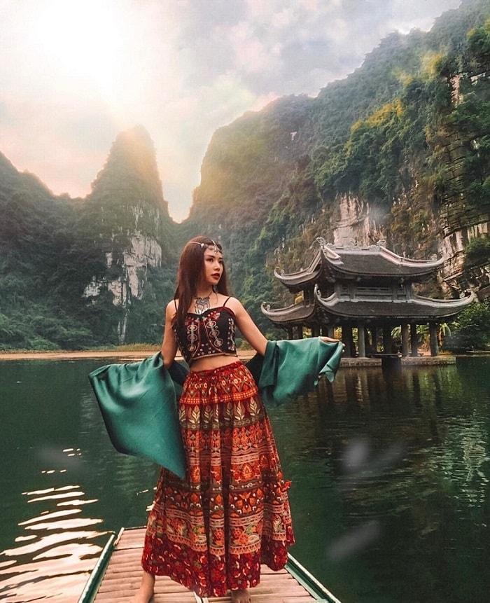 Khám phá Quần thể Tràng An - trải nghiệm du lịch Ninh Bình hấp dẫn