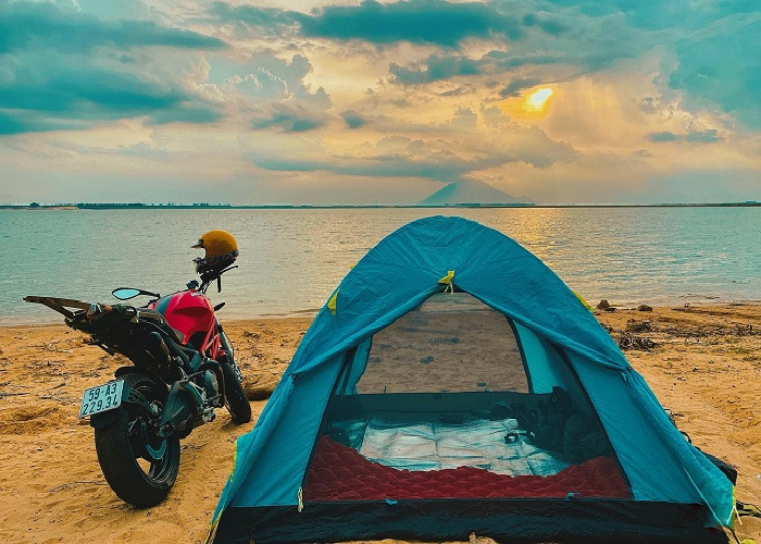 Explore Ninh Thuan Freshwater Beach