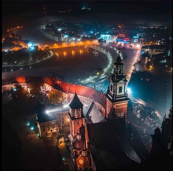 Vẻ đẹp của lâu đài cổ WawelBa Lan khi về đêm
