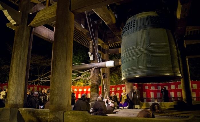 Đón năm mới bằng việc rung chuông 108 lần của người Nhật Bản - Phong tục đón năm mới trên thế giới