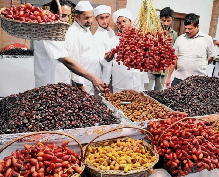 Buy gifts when traveling to Qatar, buy dried fruit