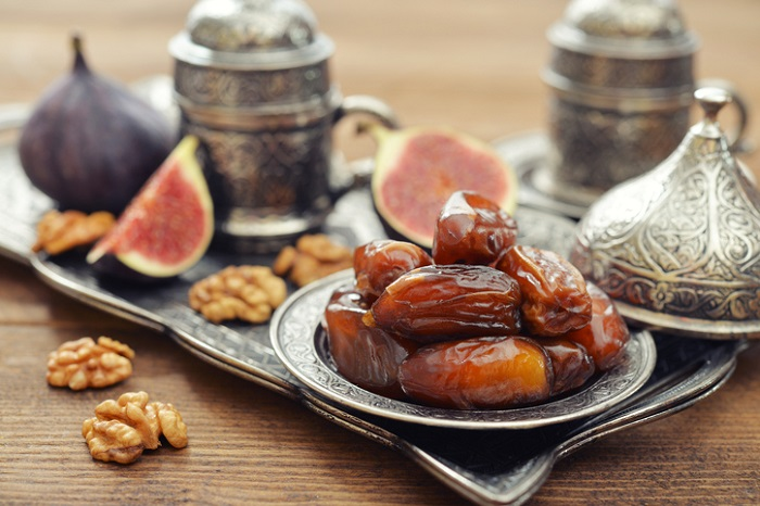 What gifts to buy when traveling to Qatar, choose dried fruits, nuts