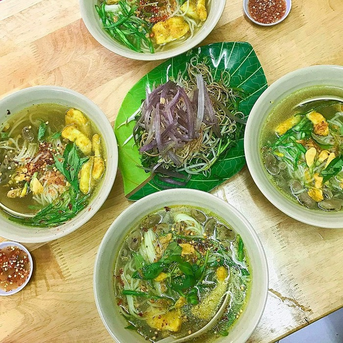 Delicious breakfast restaurants in Phu Quoc - Chau Doc Xuan Mai fish noodle soup