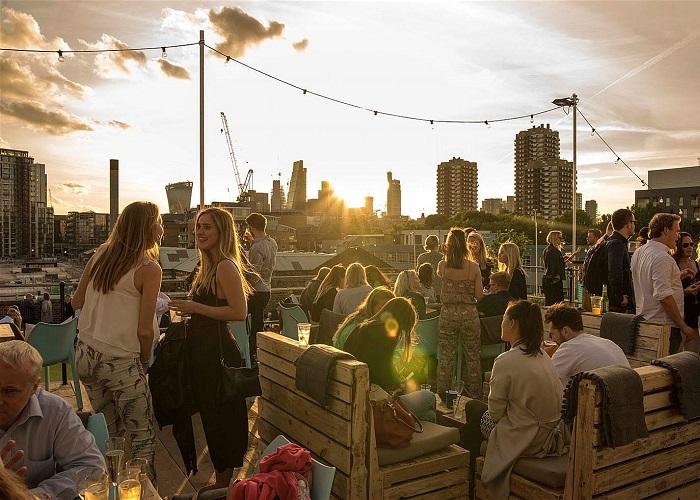 Những quán bar sân thượng ở London lý tưởng để ngắm cảnh và thưởng thức đồ uống ngon