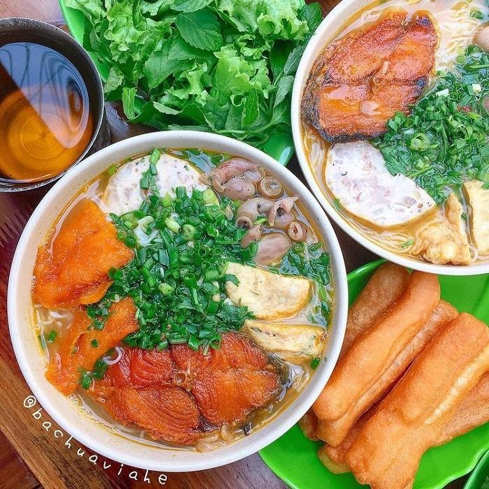 Nhắc đến các quán bún cá ngon ở Hà Nội không thể quên quán Út Hà