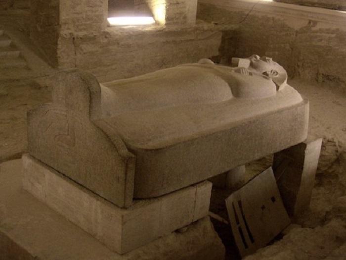 Lăng mộ bên trong thung lũng các vị vua