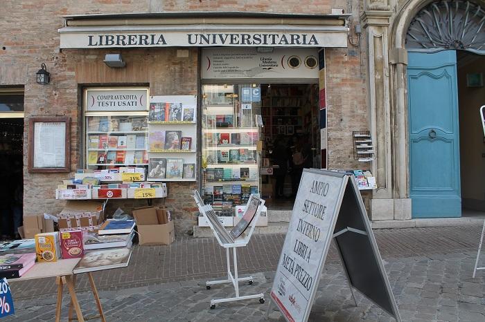 Trong thị trấn Urbino, Marche - Những địa điểm ở Ý giống như trong truyện cổ tích