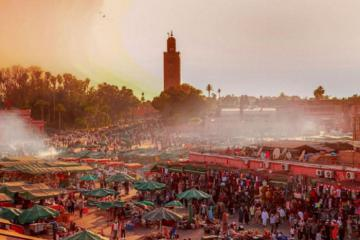 Quảng trường Djemaa el Fna - trái tim sôi động của Marrakech