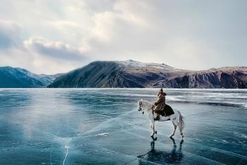 Vẻ đẹp kỳ ảo của hồ nước 'già' nhất thế giới: hồ Baikal ở Nga
