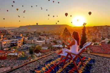 Độc lạ khách sạn hang đá ở Thổ Nhĩ Kỳ lung linh đầy tráng lệ