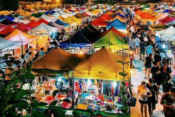 'Móc sạch hầu bao' tại chợ đêm Rod Fai nổi tiếng ở Bangkok