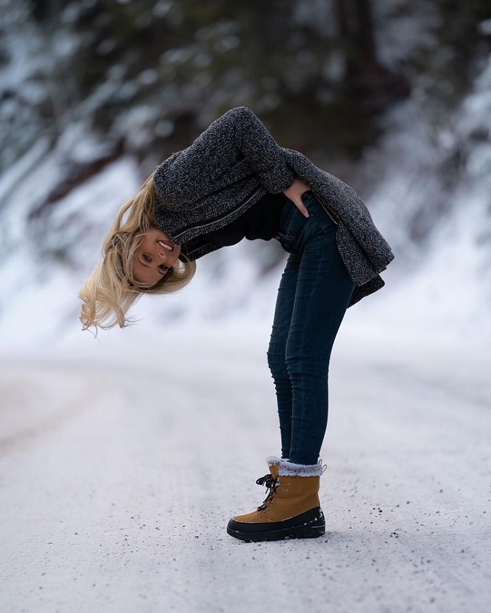 Winter tourist outfits - shoe boots