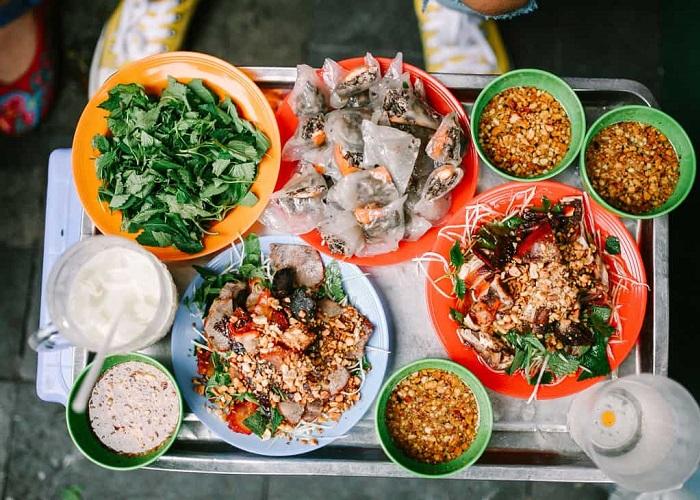 Chuẩn bị 'hầu bao' oanh tạc 3 con đường ẩm thực ở phố cổ Hà Nội
