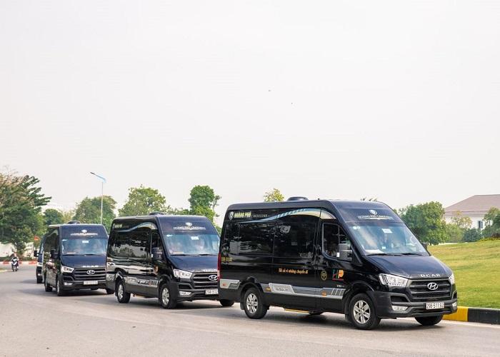 passenger car from Hanoi to Ha Long - Hoang Phu car company