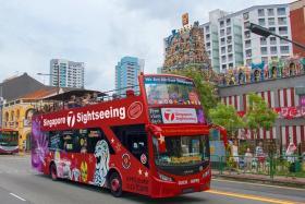 Trải Nghiệm Xe Bus 2 Tầng Tham Quan Thành Phố Singapore