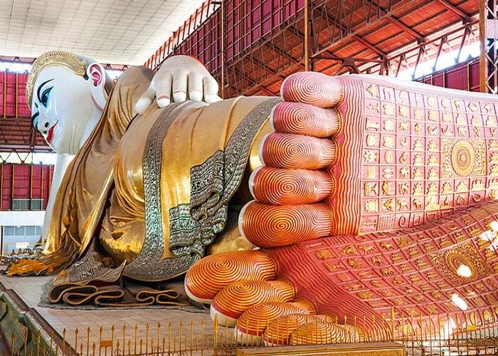 Chùa Phật nằm Chaukhtatgyi, Myanmar
