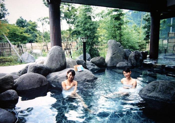 Trải nghiệm tắm Onsen