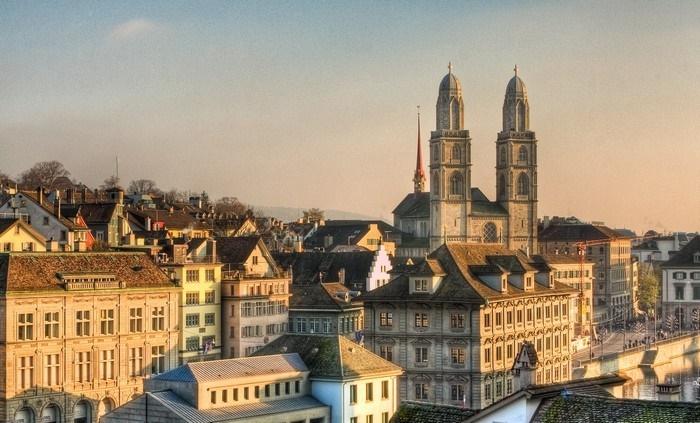 Du lịch châu Âu tham quan Grossmünster