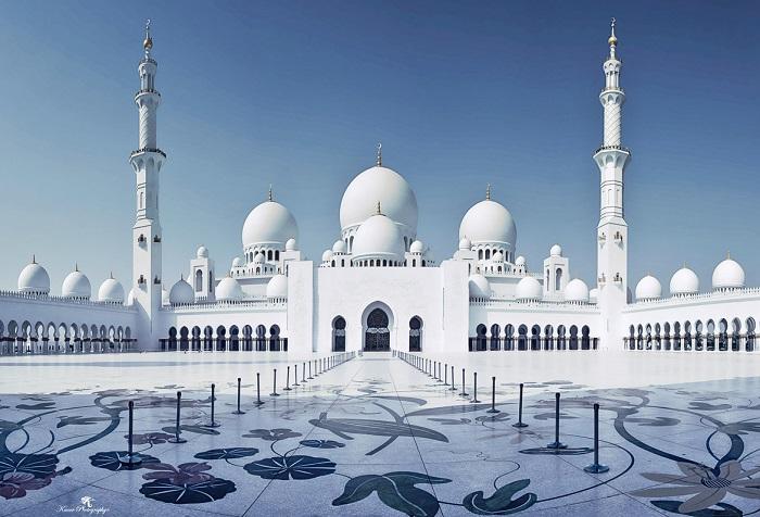 Thánh đường hồi giáo Jumeirah - ngôi thánh đường lớn và đẹp nhất tại Dubai.