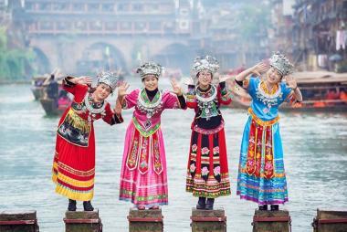 Hà Nội - Trương Gia Giới - Phù Dung Trấn - Phượng Hoàng Cổ Trấn 6N5Đ đi tàu