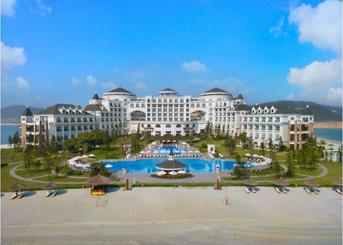 Khu du lịch Vinpearl Resort & Spa Hạ Long nằm trên đảo Rều (TP Hạ Long)