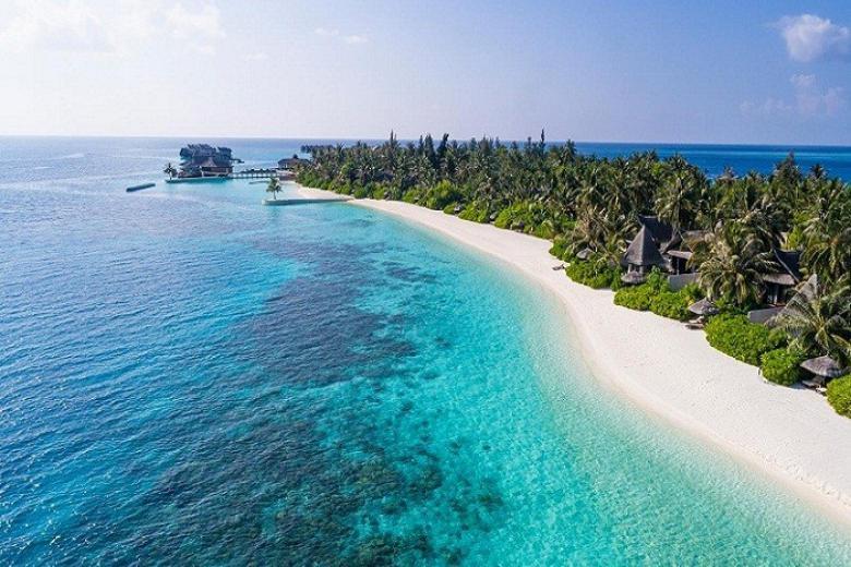 Nước biển trong xanh ở Maldives