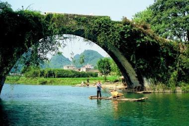 Hà Nội - Nam Ninh - Quế Lâm 4N3Đ, đi ô tô + tàu cao tốc
